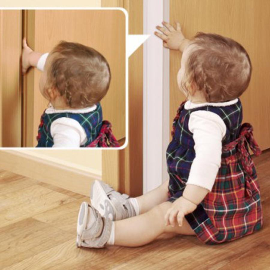 Ochrana dveří proti skřípnutí prstů REER
