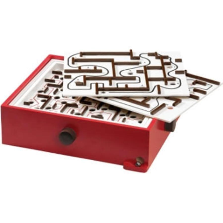Labyrint s deskami na trénování BRIO