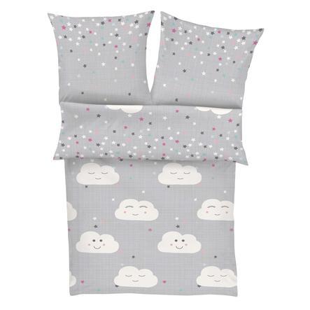 IBENA Renforcé sengetøy S. Olive r Junior skyer, 100x135 cm, grå / hvit