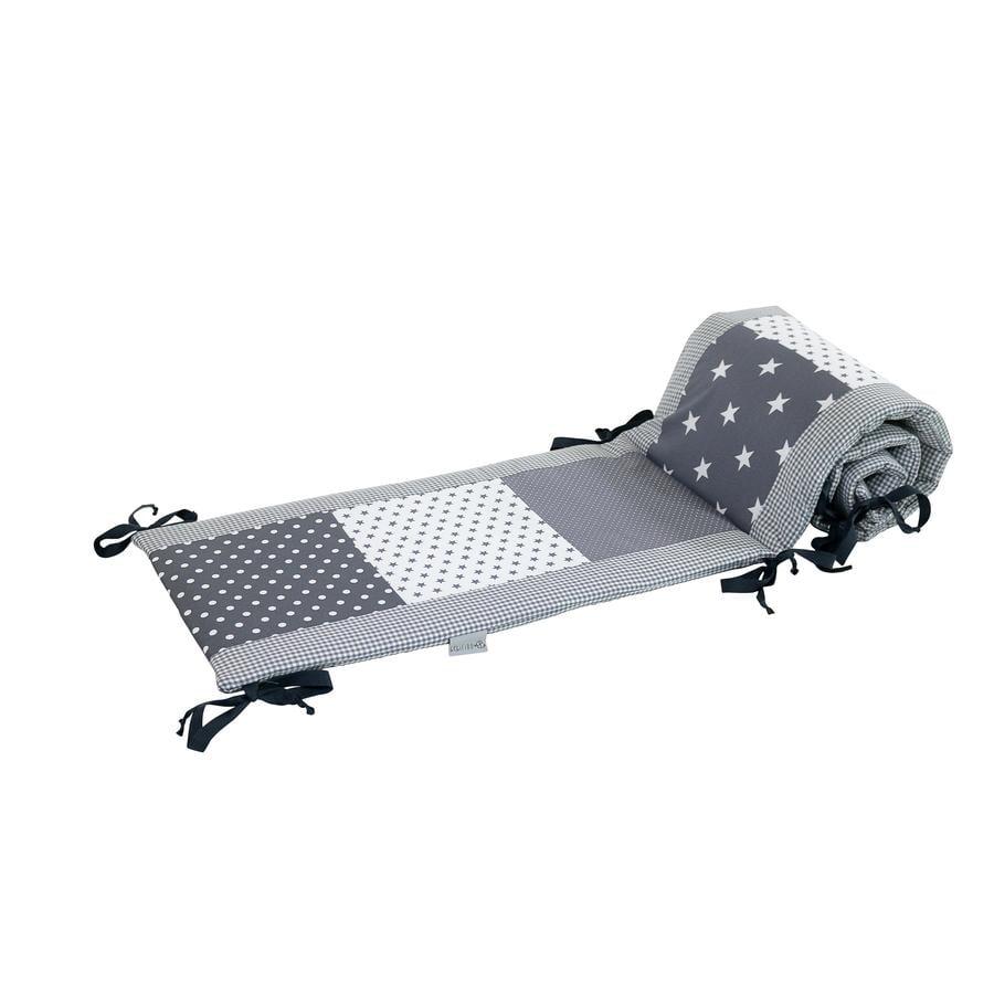 Ullenboom Patchwork-Nestchen für Babybett 120x60 cm Graue Sterne (360 cm Rundum)