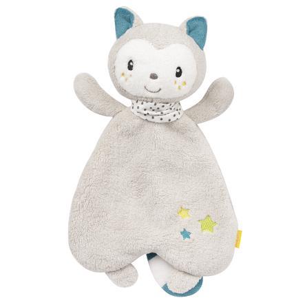 fehn Aiko y Yuki abrazan al gato de tela