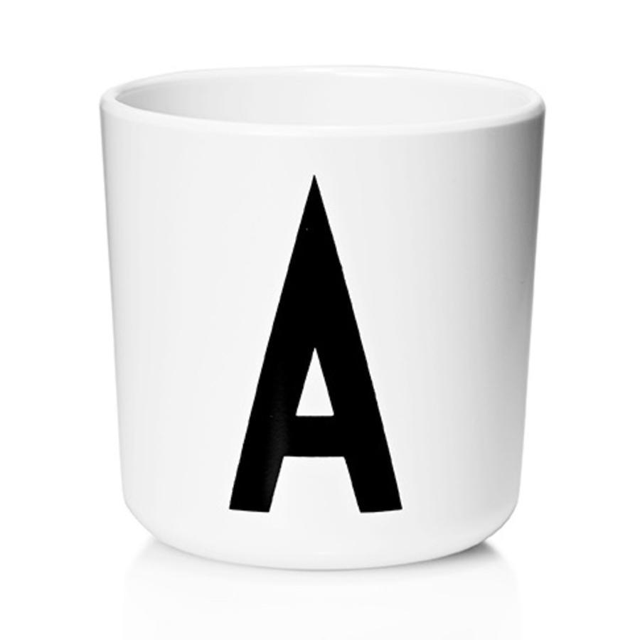 Design letters Melaminbecher mit Arne Jacobsen Vinatge ABC weiß letter schwarz Buchstabe A