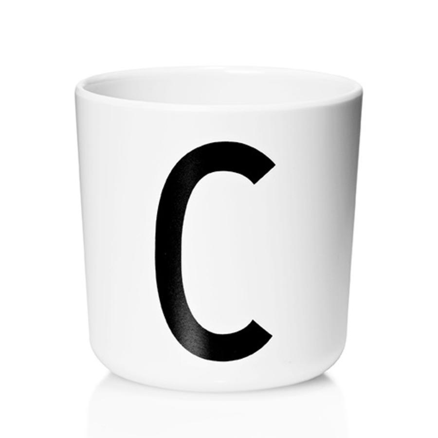 Design letters Melaminbecher mit Arne Jacobsen Vinatge ABC weiß letter schwarz Buchstabe C