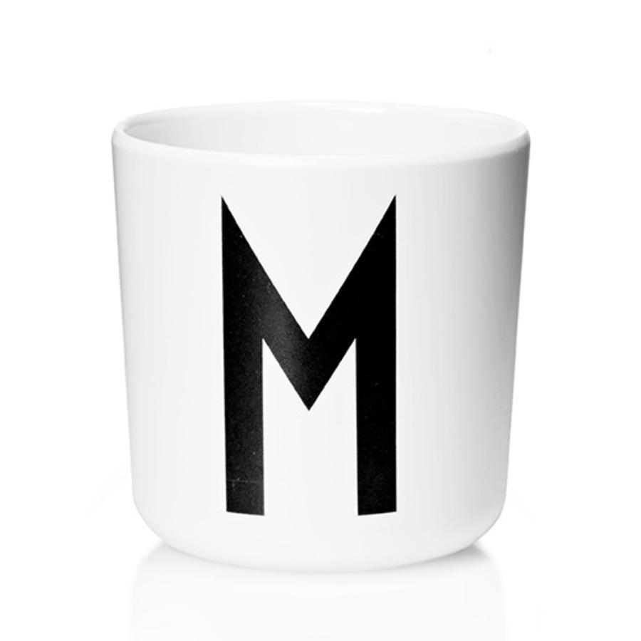 Design letters Melaminbecher mit Arne Jacobsen Vinatge ABC weiß letter schwarz Buchstabe M