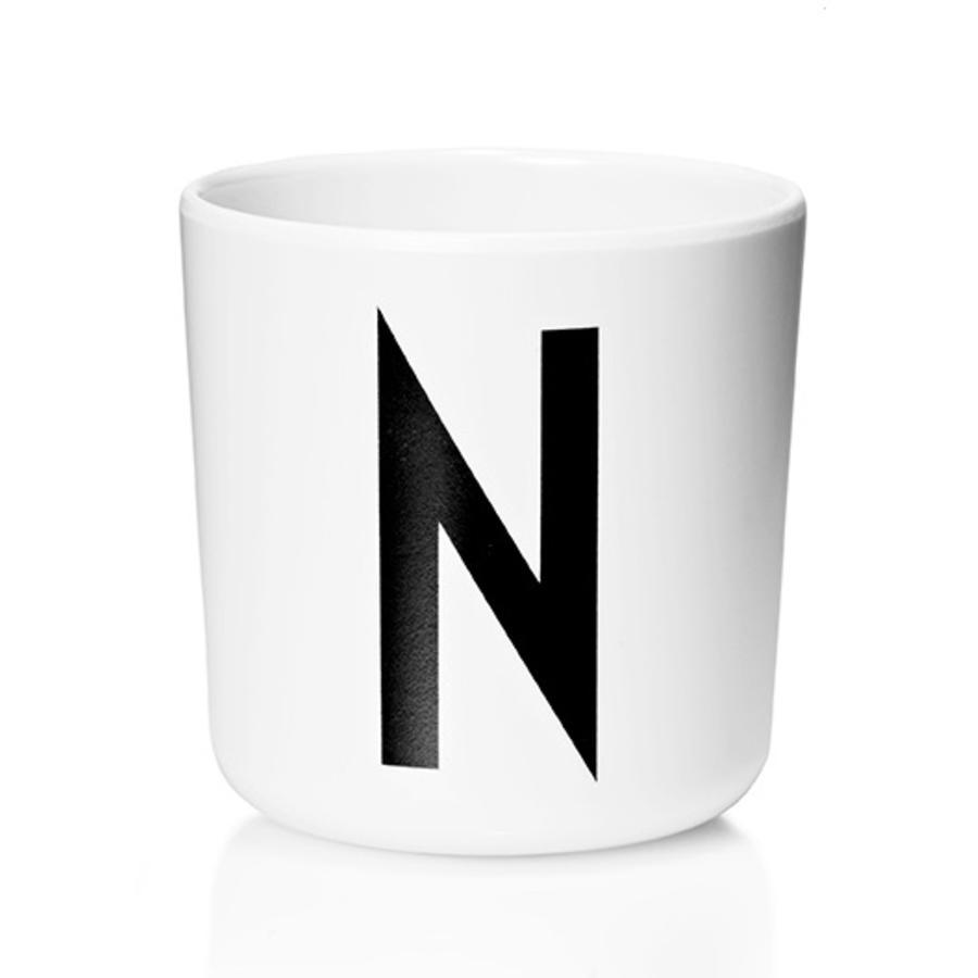 Design letters Verre enfant alphabet Vintage Arne Jacobsen mélamine blanc lettre N noir