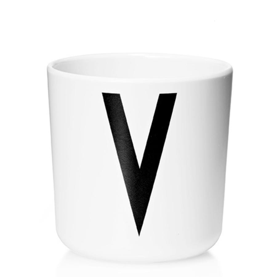 Design letters Verre enfant alphabet Vintage Arne Jacobsen mélamine blanc lettre V noir