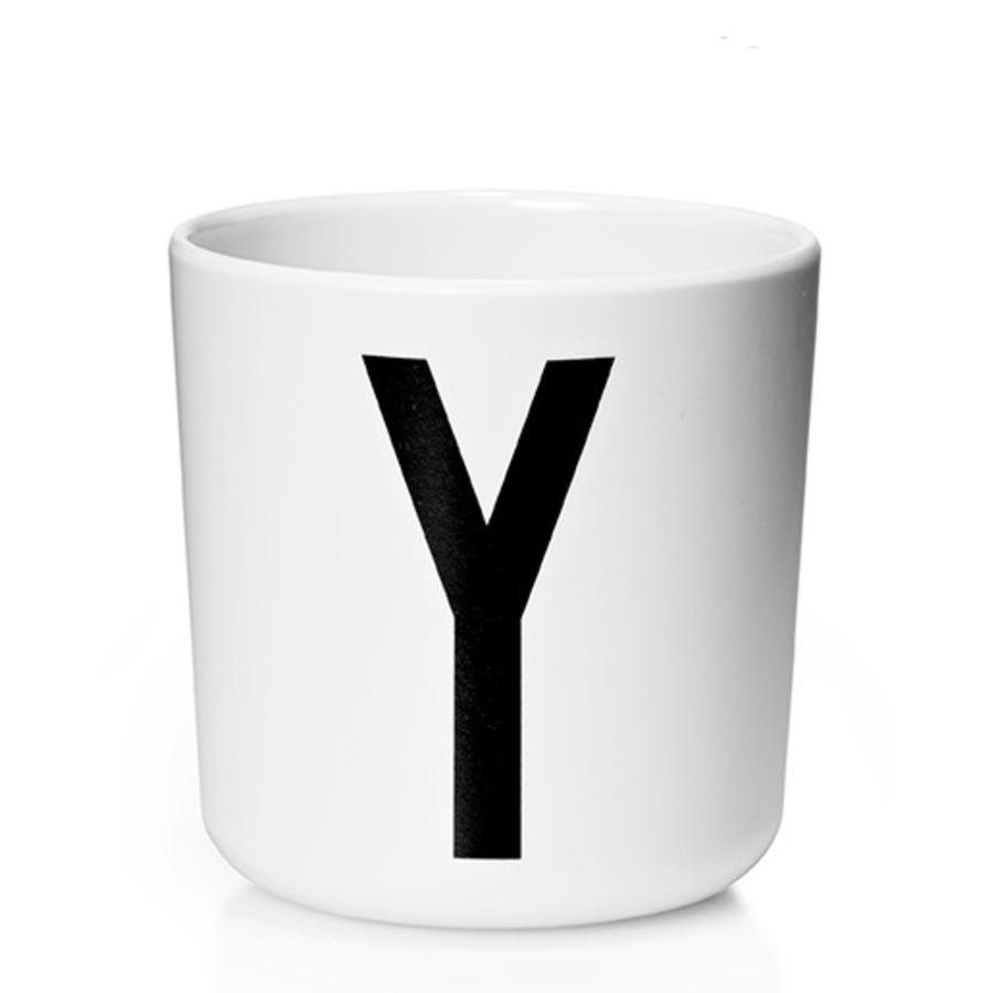 Design letters Verre enfant alphabet Vintage Arne Jacobsen mélamine blanc lettre Y noir