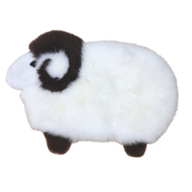 Heitmann hrací koberec vyrobený z ovčí jehněčí kůže