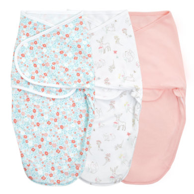 Image of aden + anais™ essentials easy swaddle™ Wickel-Pucktuch 3er-Pack fairy tale flowers 4-6 Monate